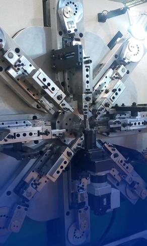 多条的弹簧生产线